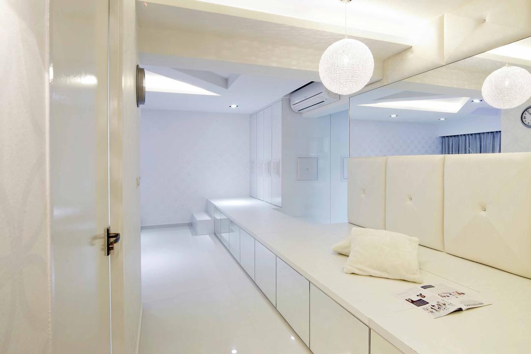 Punggol Drive (Block 615B), i-Chapter, Minimalistic, HDB, Platform, Storage Space, Storage Ideas, Mirror, Pendant Lamp, Hanging Lamp, Round Pendant Lamp, All White