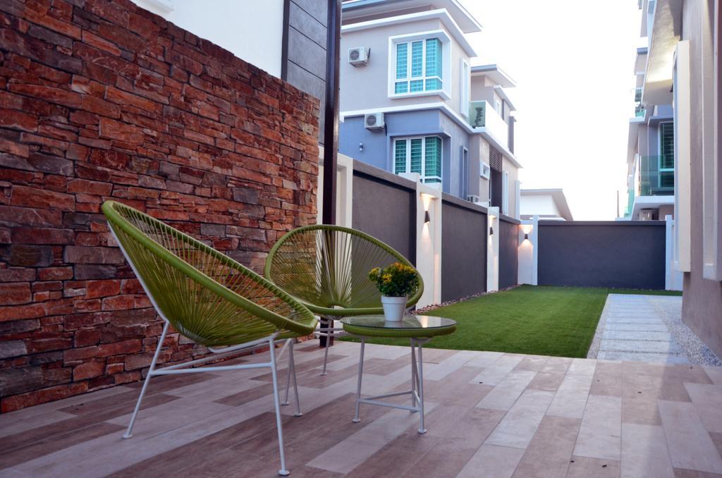 Contemporary, Landed, Garden, Mahkota Height, Interior Designer, Azamhadi Interior Designer, Brick, Chair, Furniture
