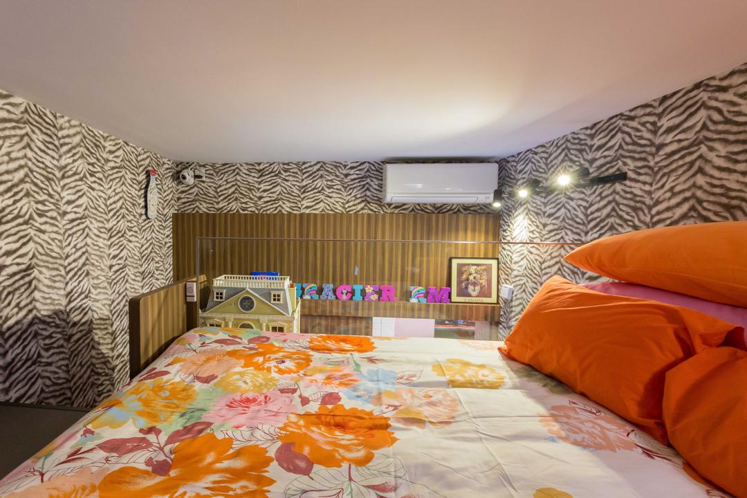Boathouse Residence, NID Design Group, Eclectic, Bedroom, Condo, Wallpaper, Patterns, Patterned Wallpaper, Aircon, Bunk Bed, Orange, Colours, Striking Colour, Floral, Floral Bedsheet, Photo Frame, Kids Room, Kids