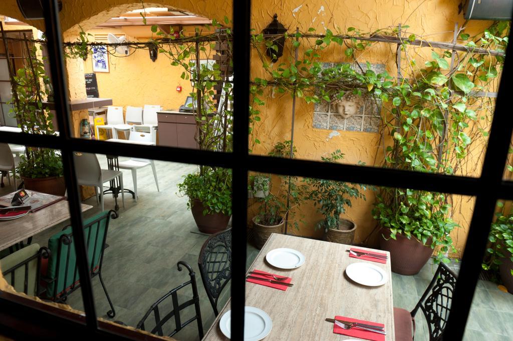 Greenwood, Commercial, Interior Designer, Fineline Design, Dining Tables, Flora, Jar, Plant, Potted Plant, Pottery, Vase