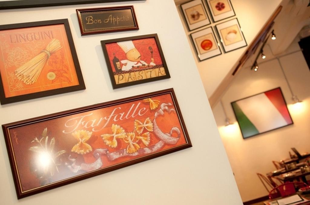 Zion, Commercial, Interior Designer, Fineline Design, Art, Art Gallery, Lighting