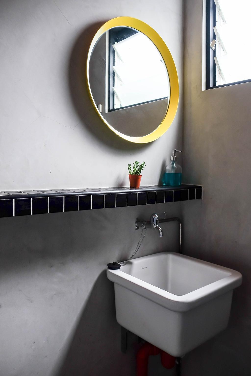 Eclectic, HDB, Bathroom, Simei Street (Block 133), Interior Designer, Fifth Avenue Interior, Round Mirror, Mirror, Wall Ledge, Sink, Bathroom Sink