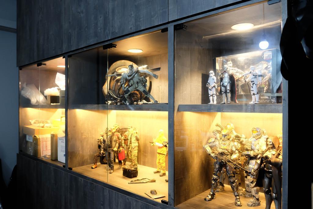 Eclectic, HDB, Living Room, Simei Street (Block 133), Interior Designer, Fifth Avenue Interior, Collection, Collectibles, , Display Cabinet, Toys, Figurines, Shop, Window Display, Robot, Door, Sliding Door