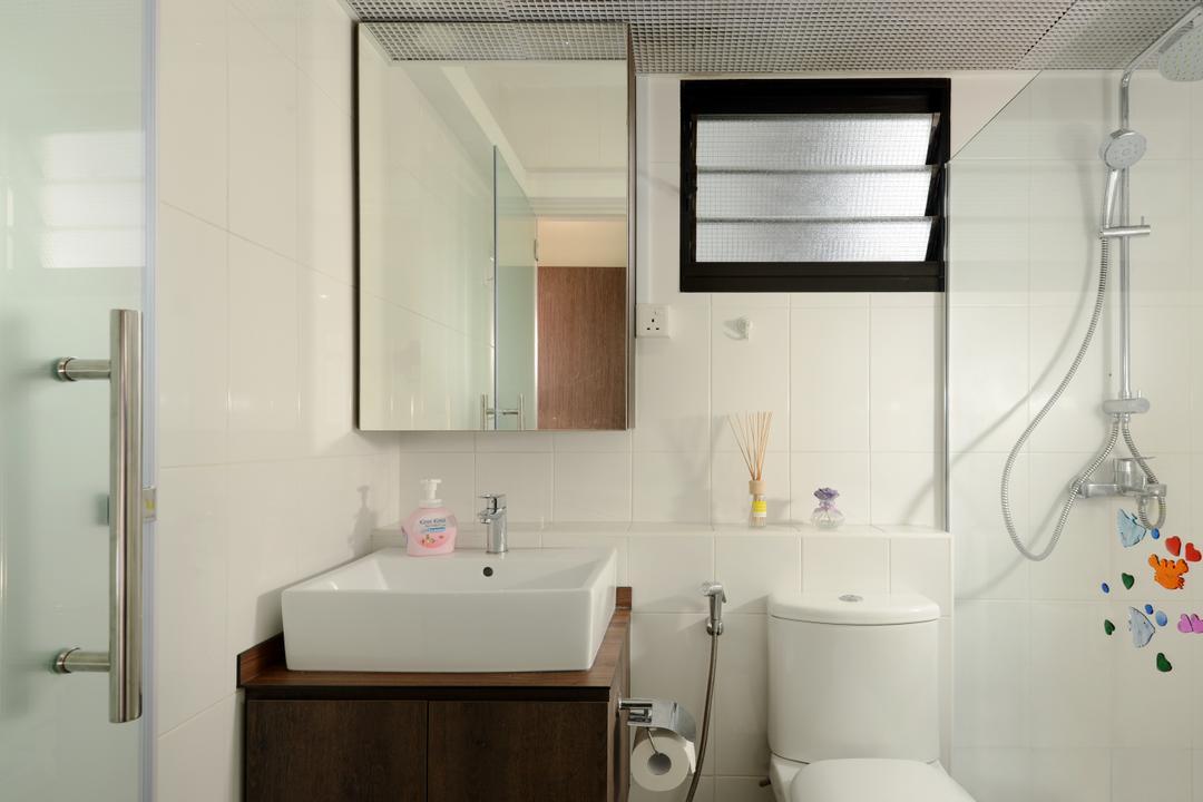 Segar Road (Block 546A), Urban Habitat Design, Minimalistic, Bathroom, HDB, Simple Bathroom, Bathroom Vanity, Bathroom Cabinet, Mirror, Water Closet, Toilet Bowl, Shower Screen, Indoors, Interior Design, Room, Toilet